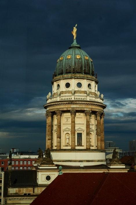 Berlin-Gendarmmarkt-dome